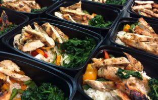 meal_prep_containers_food_closeup